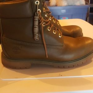Brown/olive green timbetland boots